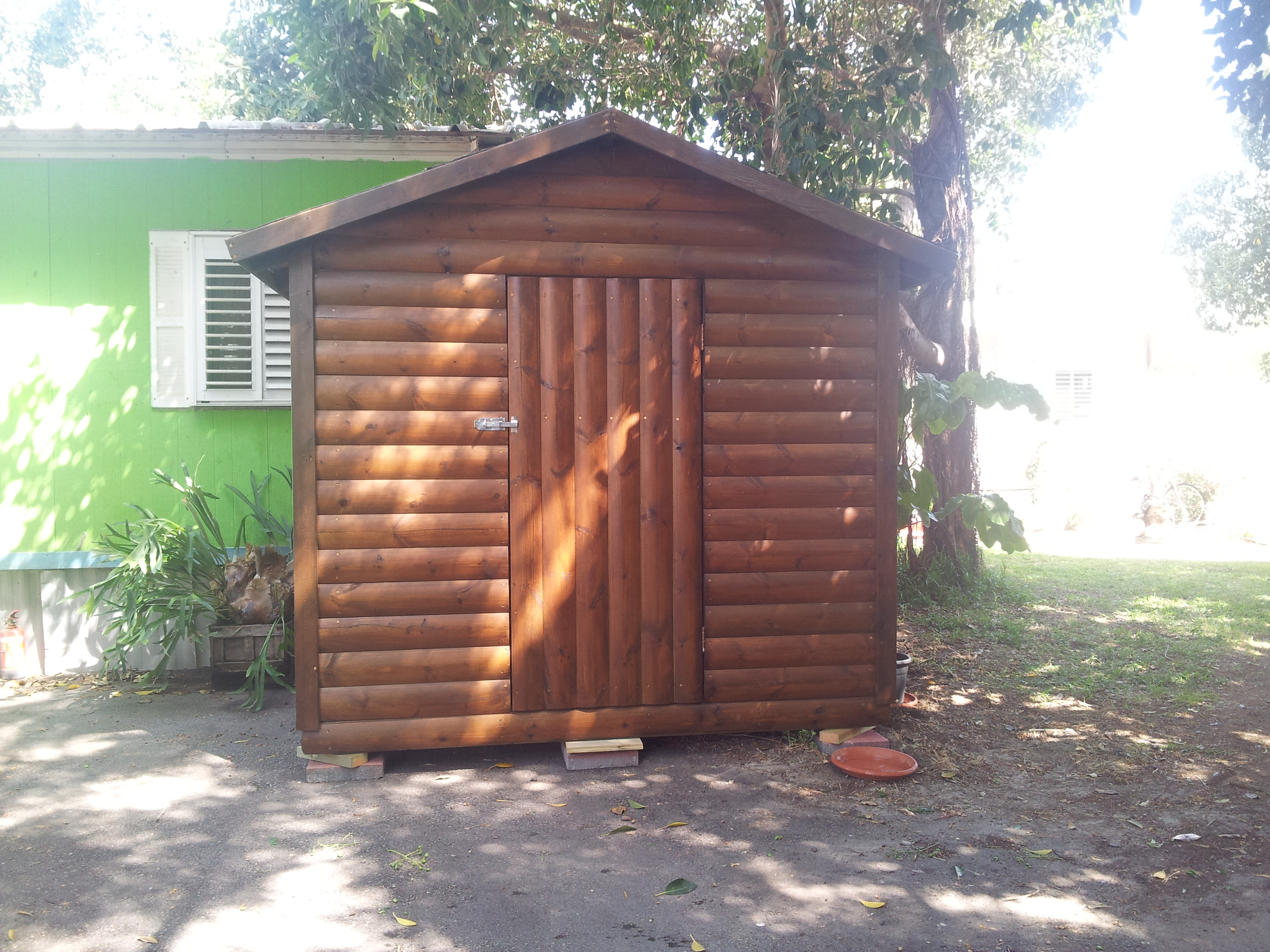 לימון עבודות עץ מחסן עץ